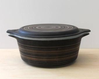 Pyrex Terra round casserole. Vintage 1960s Pyrex mid century modern baking dish.