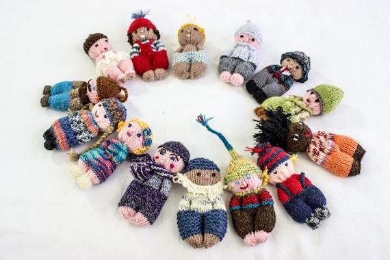 Easy Christmas Amigurumi : Knitting pattern doll toy pocket doll pdf amigurumi