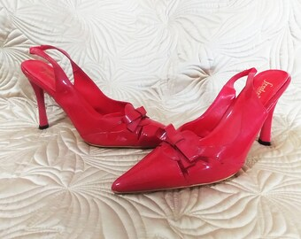Sexy Pin Up Girl Frederick's of Hollywood Sling Back Heels Fire Engine Red New Old Stock Never worn Sculpted Heel fab shoes