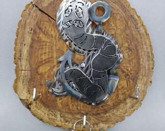 Metal Worm Key Hook Plaque
