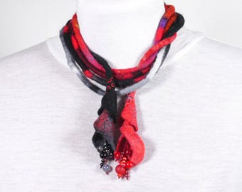 Long long Felted Necklace-Necklace textile-black-red
