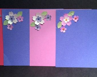 4 Note cards w/ envelopes.   Set of 4 with floral highlights. Handmade Miyo Ikeda Creations