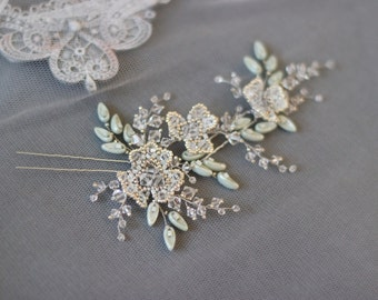Mint color crystal and pearl wedding hair pins, Flower and leaf bridal hair pin set, Wedding bobby pins, Bridesmaids beaded hair jewelry
