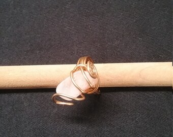 Handmade gold wire and pink stone ring size sz 7.5 7 1/2