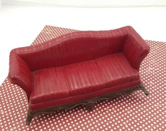 Renwal Burgundy Sofa  Doll House Toy  Plastic  Living room All five legs