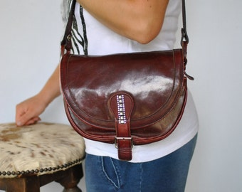 Vintage LEATHER SHOULDER BAG .....(451)