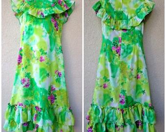 1970s Hawaiian DRESS. Hawaiian MuuMuu. Hawaiian Caftan. Tent Dress. Vintage Muu Muu. Modest Cut Dress. Abstract Print. RUFFLES. Loose Dress
