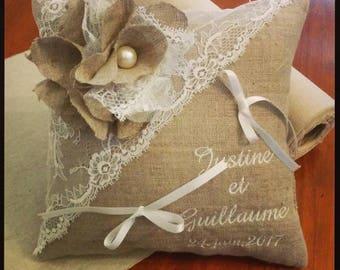 Coussin pour alliances personnalisé - mariage en lin avec dentelle rétro : la fleur de lin