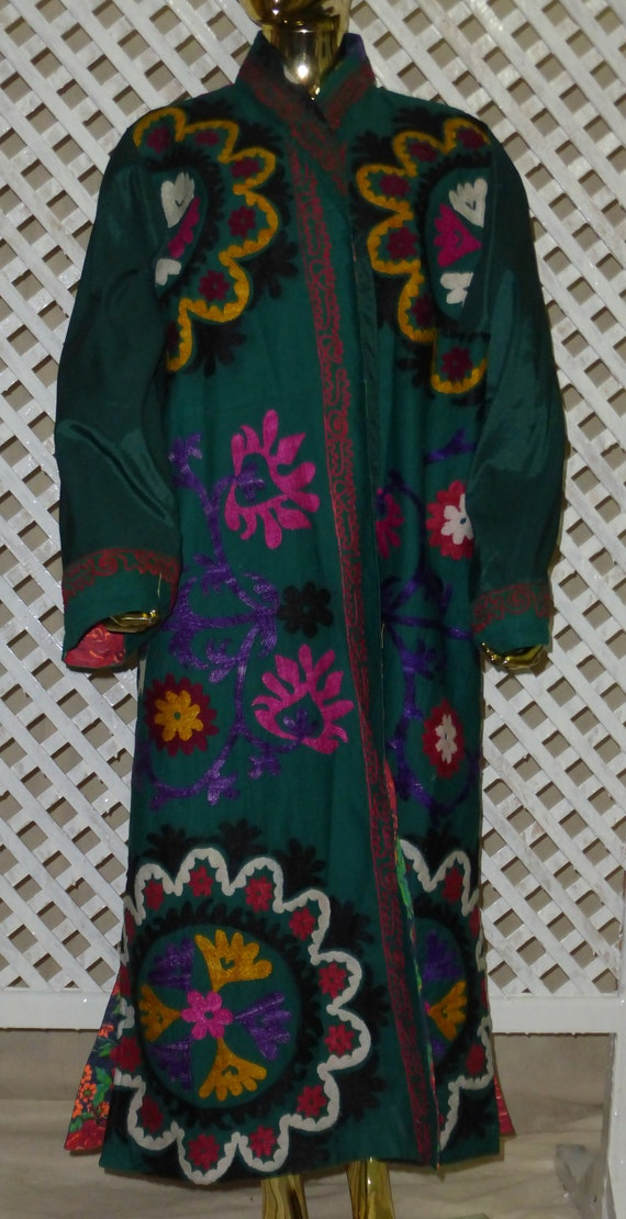 kaftan style coat mint light suzani 055 vintage unisex chapan silk jacket hand embroidered condition Uzbek green original natural HqUnxa76g