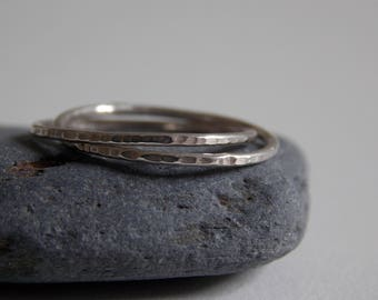 Silver interlaced rings