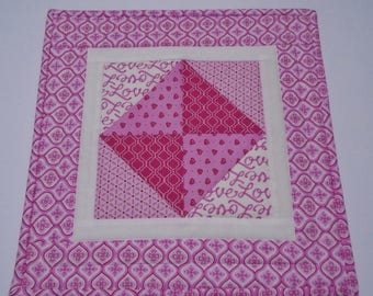 Quilted Valentine Table Topper, Valentines Day Quilted Table Runner, Valentine Table Quilt, Quilted Candle Mat, Valentines Day Hearts Love