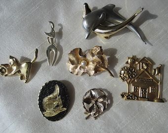 Vintage lot of seven pins brooches