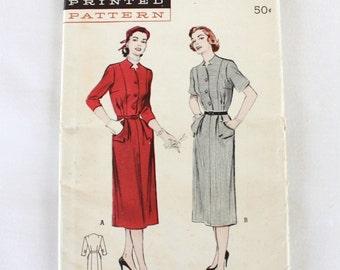 """1950s Sewing Pattern / 1950s Dress Pattern / Butterick 5922 / 1950s Shirtwaist Dress with Pockets / Bust 32"""" Waist 26.5"""""""