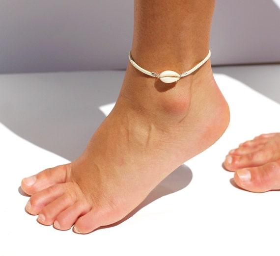 Bien-aimé bracelet de cheville coquillage cowrie blanc bracelet de AT02