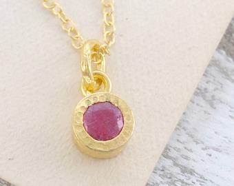 Ruby Gemstone Necklace - Gold Ruby Necklace - Ruby Pendant Necklace - Ruby Necklace - Ruby Pendant - Gemstone Jewelry - Gold Ruby Birthstone