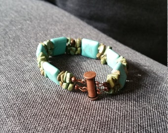 Blue Magnesite with Turquoise Chips Bracelet