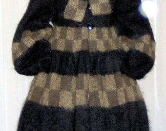 IRIS, black coat