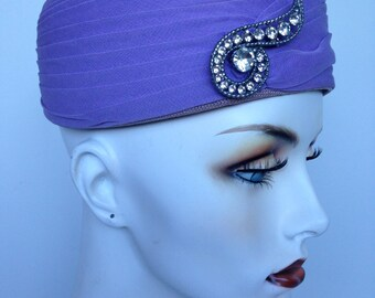 Beautiful Mauve Purple High Fashion Hat / 50s Vintage Pillbox Hat / Silver Diamond Brooch