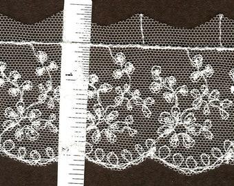 Vintage floral embroidered Ivory lace trim 7yds  (3756)