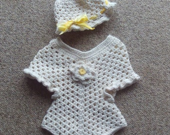 Newborn - 3 Months,Girl,Baby,Infant,Sweater / Poncho, Hat, Cream,Yellow,Gift,Photo,Wardrobe,Clothing,Crocheted
