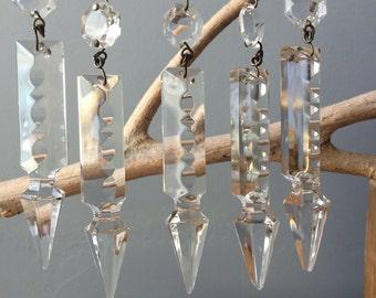 VINTAGE GLASS....supplies - 5 crystal glass arrow drop beads - chandelier display - diamond - reflector light - craft ornaments - large
