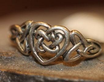 Old Vintage Sterling Silver Celtic Heart Ring