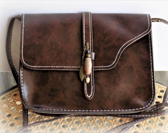Leather bag Brown faux - 15 X 18 X 4.5 cm - with gemstones charm.