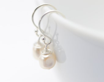 Baroque Pearl Earrings | Cream Pearl Earrings | Wedding Jewelry | Fancy Jewelry | Bridal Jewelry | Bridesmaid Gift | Gift for Her
