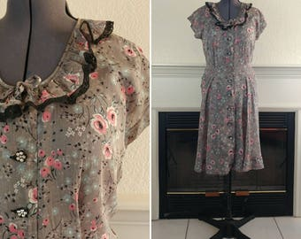 1950s 1960s Grey Floral Sheer Day Dress Size M/L Ships Free!