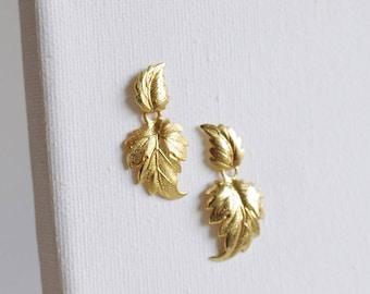 SALE . leaf dangle earrings . leaf stud earrings . autumn leaf jewelry . leaf jewelry . leaves earrings . leaf drop earrings