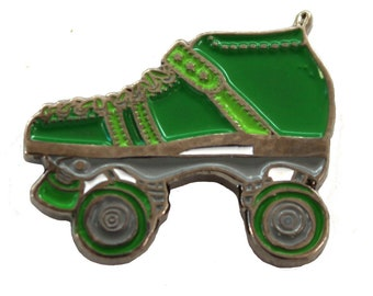 Roller Derby Enamel Pin, Roller Skate Lapel Pin, Soft Enamel Pin, Collectible Pins, Pin Game, Green Roller Skate Quad Speed Skates Metal Pin