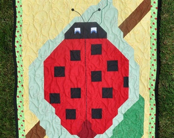 Ladybug Baby Quilt Pattern in 3 sizes (PDF)