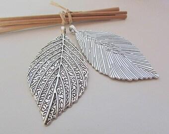 leaf pendant 7 x 3.5 cm silver metal - 4 mm hole - 524.22