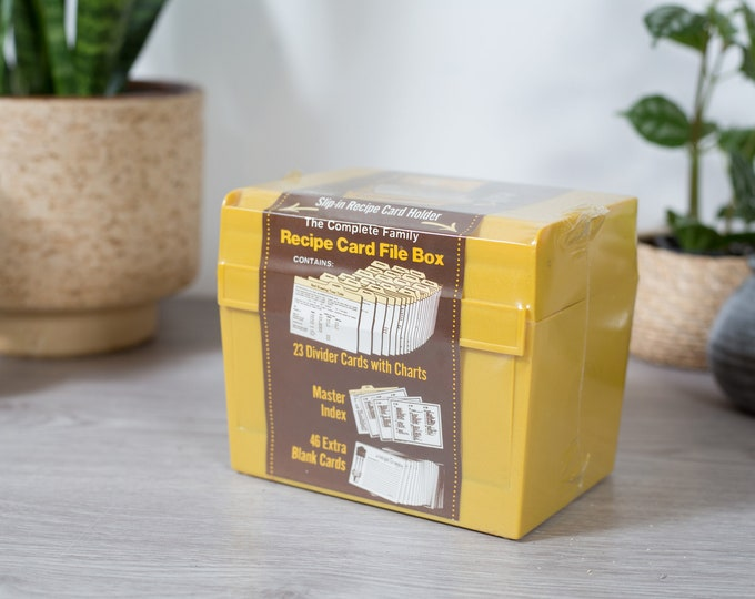 Recipe Card File Box - Vintage Yellow Plastic Container - Deadstock Mid Century Modern Minimalist Rustic Kitchen Storage  Divider Index Card