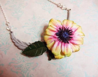 Gerbera flower feather necklace / Gerbera daisy / plant / spring / flower jewelry