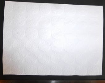 Bottom of card/embossed white daisies A4 page 21x29.7cm 210g