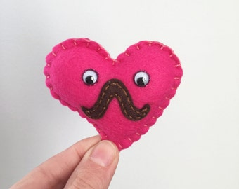 Magnet heart plushie, Mr. Heart-stache mini plush magnet, mini hot pink felt plush heart mustache, googly eyes, hand made by HibouDesigns