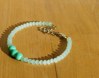 Thin bracelet, white, faceted beads