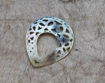 Mother of pearl shell, carved, teardrop shape, filigree, pendant, blacklip shell