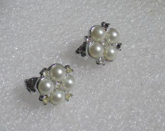 Vintage Sarah Coventry White Faux Pearl Clear Rhinestone Clip On Earrings Missing Rhinestones