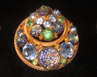 Vintage Demi Parure Brooch with Earrings with stuning speckled flecked rhinestones
