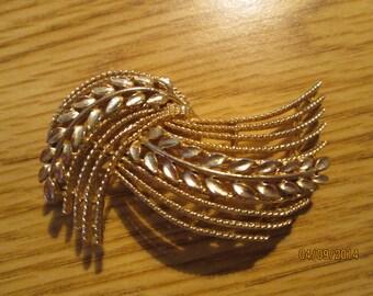 Vintage Usner Wheat Spray Brooch, Lapel Pin, Jewelry,