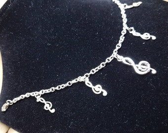 Musical notes charm bracelet
