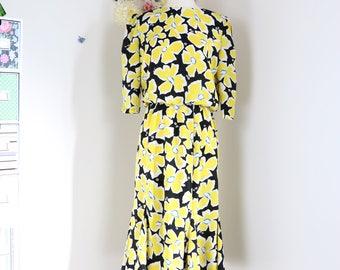 1980s Vintage Floral Midi Day Dress - S/M - Feminine - Three Quarter Sleeve - Gored Full Skirt - Bold Bright - Summer Spring