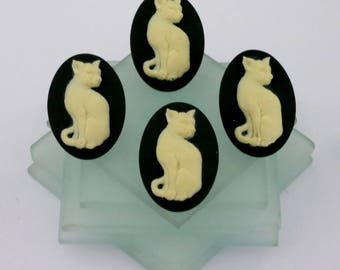 4 Kitty Cat Buttons Black and Ivory Full Sleek Body 4 Cat Buttons 3D Wedgwood Style