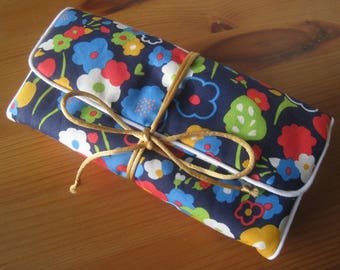 Pouch / travel fabric jewelry pouch cotton floral red blue green orange