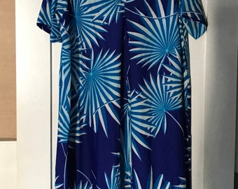 Vintage Paradise Hawaii Blue and White Floral House Dress