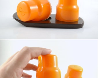 60' Salt and Pepper Shaker Set, Vintage Salt & Pepper Shakers Orange Plastic, Unused Mid-Century Kitchen Decor, Vintage Buchsteiner Shakers