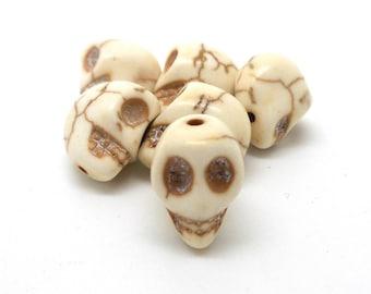 Set of 5 skulls skull imitation turquoise 12 * 13mm beige