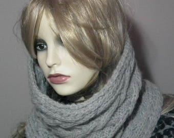 Grey cowl scarve/Cowl Scarve/Snood for Women/Cable knit scarve/Cosy scarve/Circle Cowl Scarve/Hand knit scarveWrap